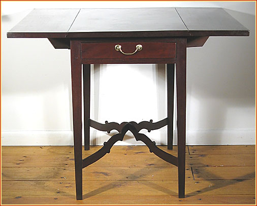 A VERY FINE AMERICAN PEMBROKE TABLE